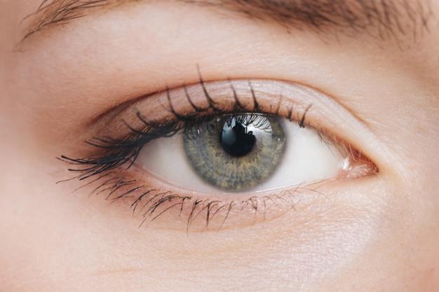 de-ce-se-zbate-ochiul
