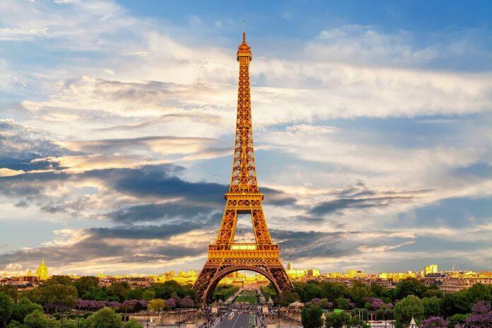 Care este capitala Frantei?