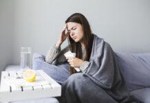 cum se manifesta meningita?